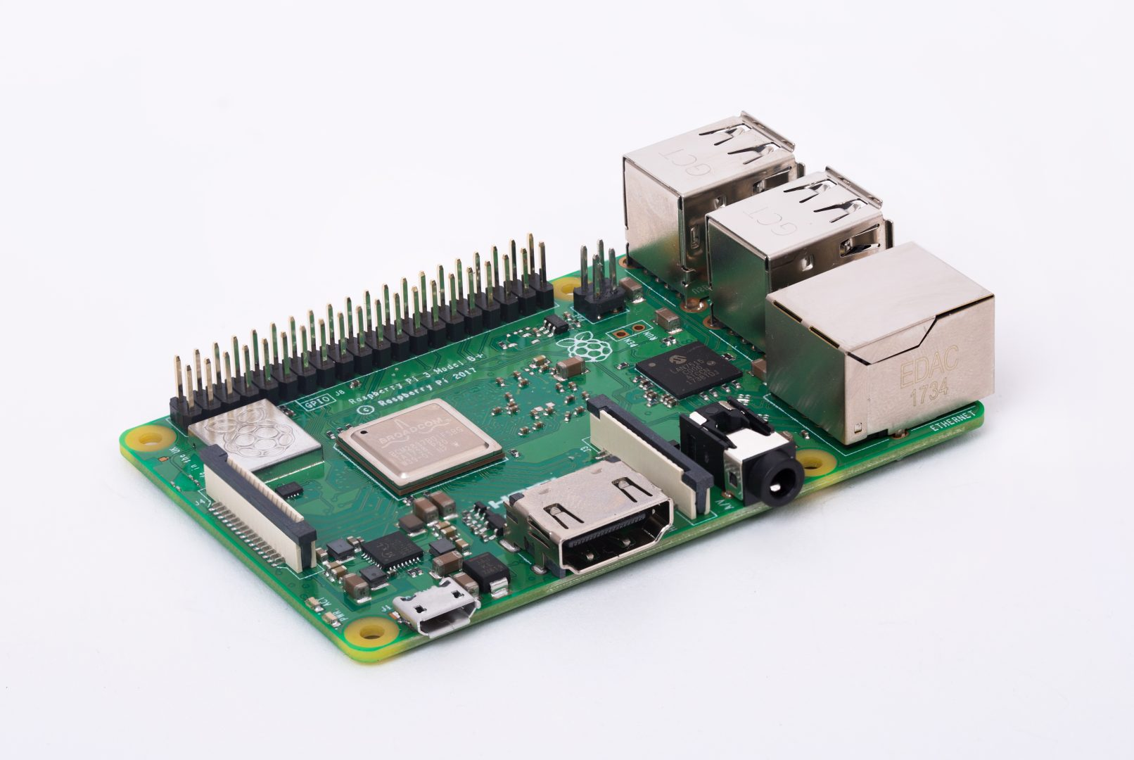 Микрокомпьютер Raspberry Pi 3 Model B+ Retail, 1GB RAM, Cortex-A53 (ARMv8) 64-bit SoC @ 1.4GHz Broadcom BCM2837B0 CPU, WiFi, Bluetooth
